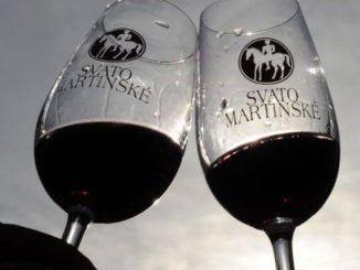 Už jste letos ochutnali svatomartinské víno? Víte, jak vznikla tato tradice