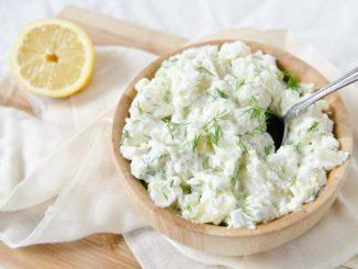 Tzatziki: chutná příloha pocházející z řecké kuchyně