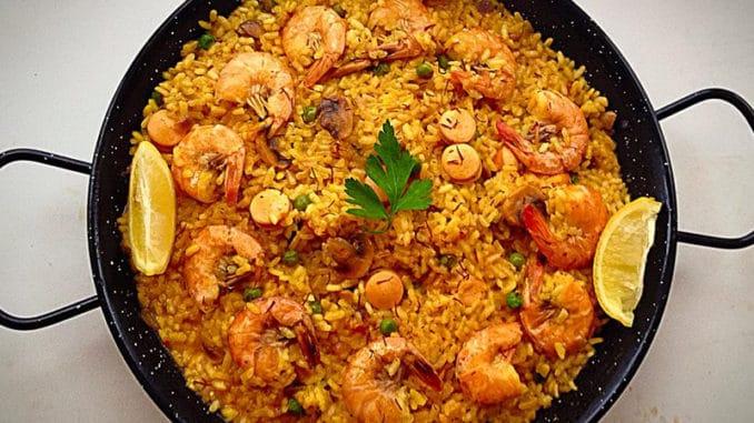 Tradiční španělské jídlo Paella