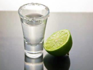 Tequila s limetkou a solí
