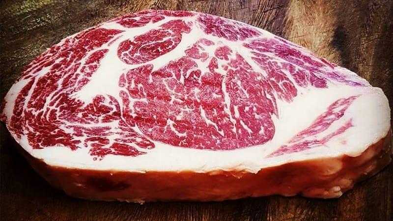 Dokonale vyzrálé hovězí maso plemene Angus