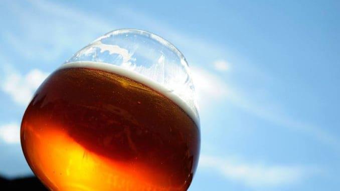 Pivní pupek je mýtus, pivo naopak pomáhá s mnoha problémy