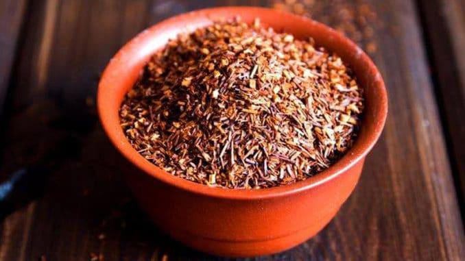 Rooibos: čaj vyhledávaný pro vysoký obsah antioxidantů a zásadotvornost