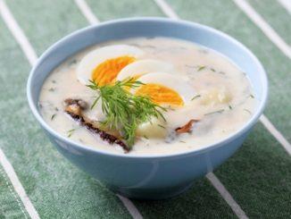 Kulajda je oblíbenou českou polévkou. Houby do ní ale nepatří