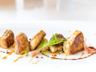 Foie gras: gurmánský zážitek, nad nímž visí stín utrpení zvířat