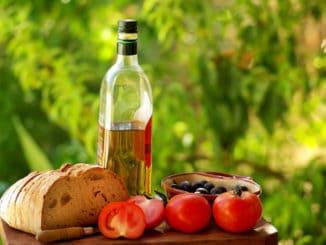 Středomořská strava po dobu jednoho roku má vliv na zdravější stárnutí