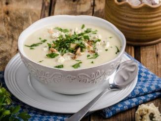 Květáková polévka: Připravit si lze i luxusní variantu