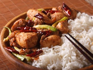 Kung pao: oblíbený pokrm, který obsahuje mnoho kalorií