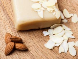 Marcipán lze využít při přípravě různých druhů cukroví