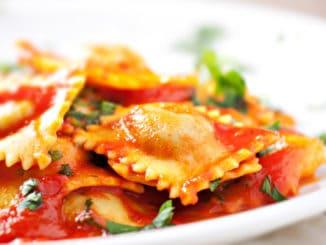 Ravioli: plněné těstoviny, které si lze připravit na 100 a jeden způsob