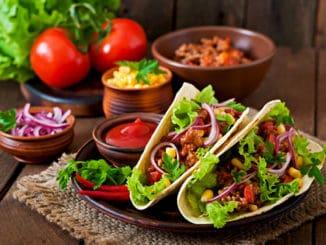 Tacos: tradiční mexický pokrm, který si lze připravit zdravěji