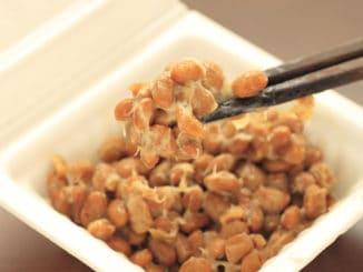 Nattó: japonský pokrm, nad kterým se mnoha lidem zvedne žaludek
