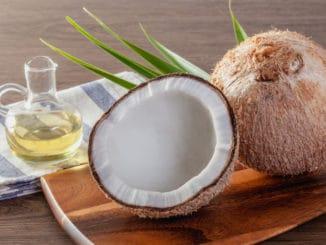 Kouzlo jménem olej: Jaké se hodí na vaření nebo do salátů a který si dát spíše na vlasy?