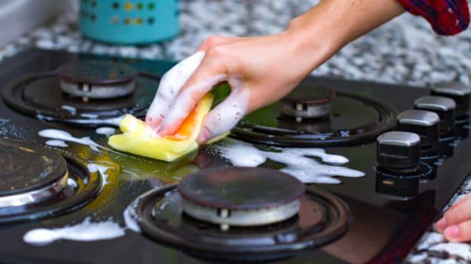Nepodceňujte čištění hořáků vašeho sporáku. Vezměte to z gruntu s naším snadným návodem